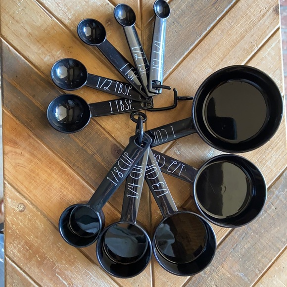 New Rae Dunn Plastic Measuring Cups & Spoons Set